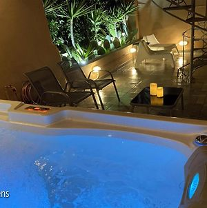 A3 - Newly Renovated Apartment 4Ppl With Jacuzzi photos Exterior