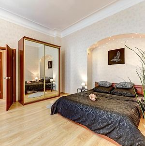 Excellent Apartment Behind The Kazan Cathedral photos Exterior