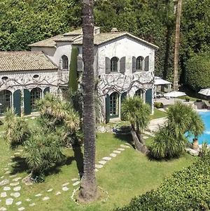 Luxury Villa Completely Renovated With Pool photos Exterior