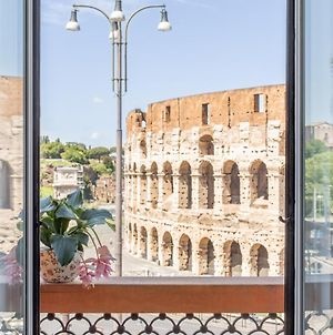 Iflat Unforgettable In Front Of Colosseum photos Exterior
