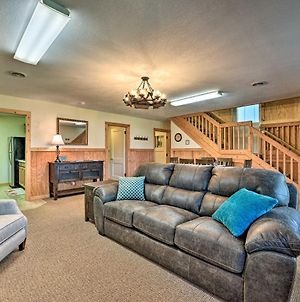 Quaint Getaway With Indoor Pool And Gas Grill! photos Exterior