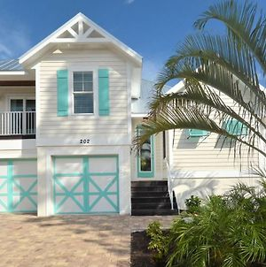 Weekly Summer Booking Available 4 Bedroom 3 Bathroom Bikes Beach Gear Pool And Spa photos Exterior