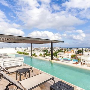 Luxury Condo With Rooftop Pool In Downtown Playa And Near Beach! photos Exterior