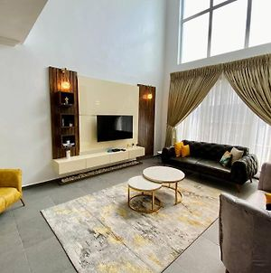 Luxury 5 Star 3 Bedroom Terrace With Free Wifi photos Exterior
