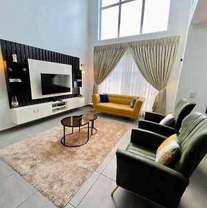 5 Star Luxury 3 Bedroom Terrace With Free Wifi photos Exterior