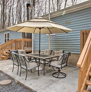 Pocono Family Home With Lake Access And Fire Pit! photos Exterior