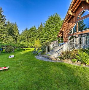 Quiet 40-Acre Forest Lodge With Hot Tub And Sauna photos Exterior