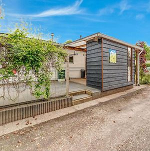 Inviting Holiday Home In Hulshorst With Garden photos Exterior