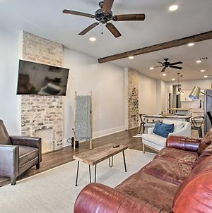 Chic Escape With Furnished Deck Walk To Cafes! photos Exterior