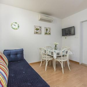 Holiday House In Porec With Terrace, Air Conditioning, Wifi, Washing Machine photos Exterior