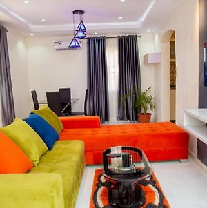 Tastefully Furnished 3 Brm Bungalow With Wifi photos Exterior