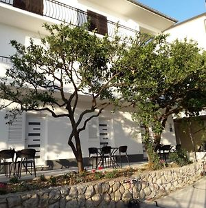 Apartment In Podgora With Terrace, Air Conditioning, Wi-Fi photos Exterior