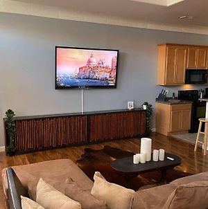Cozy Downtown Smart Loft With A Roof Top Deck!!! photos Exterior