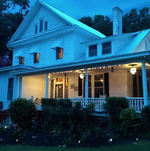 Whole Hearts Bed And Breakfast, Llc photos Exterior