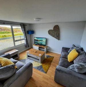 Red Pepper Self Catering - Loch And Sea Views - Explore The Uists photos Exterior