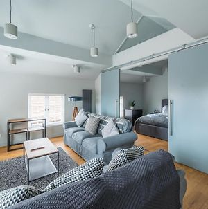 Stylish Luxury Apartment In The Centre Of Henley photos Exterior