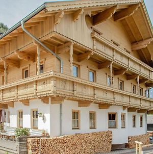 Relaxing Apartment In Hainzenberg With Ski Storage photos Exterior