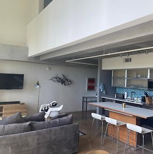 Artsy Chic 1Br Condo 30Day Min With Wifi Ac Parking Tv Furnished Rooftop photos Exterior