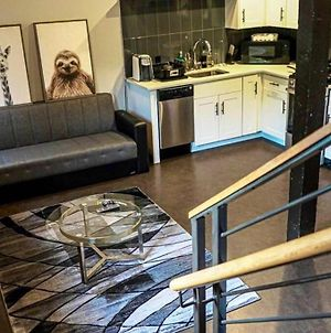 Stylish & Cozy Near Downtown Queenbed, Gym, photos Exterior