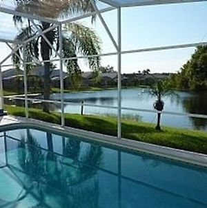Exclusive Villa With Lake Views - Minutes From Disney! photos Exterior