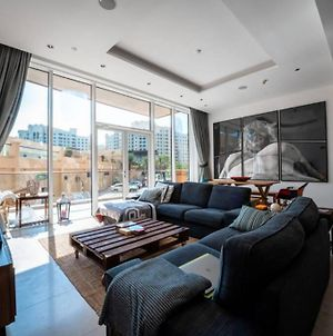 Modern 2Br Apt With Private Beach & Pool In Tiara Residence photos Exterior