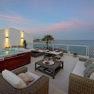New! Casa Latino - Oceanfront - Luxury & Charming Villa- Jacuzzi At Rooftop photos Exterior