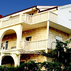 Apartment In Trogir With Seaview, Terrace, Air Condition, Wifi photos Exterior