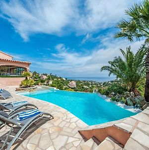 Luxurious Villa In Les Issambres With Hot Tub And Sauna photos Exterior