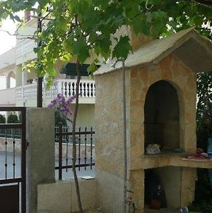 Apartment In Okrug Gornji With Seaview, Terrace, Air Condition, Wifi photos Exterior