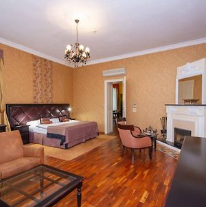 Luxury Apartments In The Historical Building In The Heart Of Old Town photos Exterior