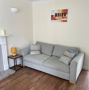 Modern 2 Bed House Close To Chester City Centre, Racecource And Zoo photos Exterior