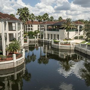 Elegant Villa Along A Scenic Fountain Lake In Kissimmee - One Bedroom #1 photos Exterior