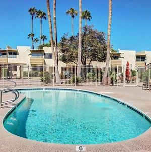 New *5*Star Listing! Poolside, Old Town Scottsdale Condo/Townhome photos Exterior