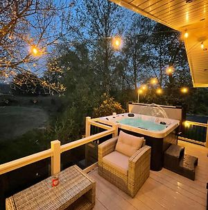 Torrey Pines - Luxury Hot Tub Lodge With Free Golf For Guests photos Exterior