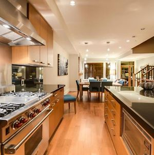 West Coast Alpine Contemporary 4 Bedroom Townhome With Private Hot Tub 35 photos Exterior