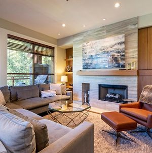 Fitzsimmons Walk Luxury 3 Level Townhome With Private Hot Tub And Media Room 18 photos Exterior