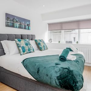 2 Bedroom Apartment At Modernview Serviced Accommodation Watford Town Centre F15 photos Exterior