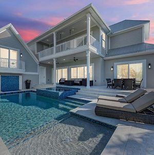Brand New Luxe 4 Bedroom Plus Nanny Suite, Heated Pool, Spa, Bikes photos Exterior
