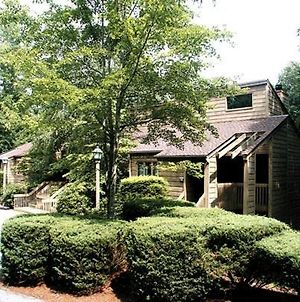 Expansive Lodge In Scenic Corners Of Sapphire Valley - Two Bedroom #1 photos Exterior