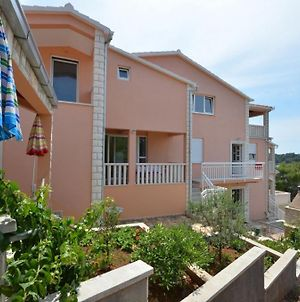 Apartment In Karbuni With Sea View, Terrace, Air Conditioning, W-Lan 3609-1 photos Exterior