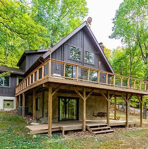 Chalet Cabin With Private Lake, Wifi, & Huge Deck! photos Exterior