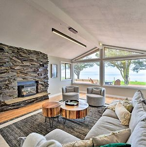 Chic Oceanfront Retreat With Deck And Mtn Views! photos Exterior