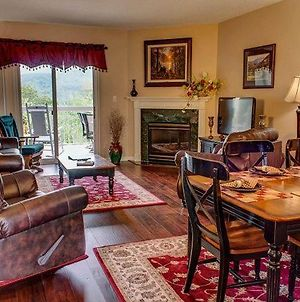 Vacation Destination Whispering Pines 444, 2Br, Lazy River, Gym, Heated Pool, Wi-Fi, Sleeps 6 photos Exterior