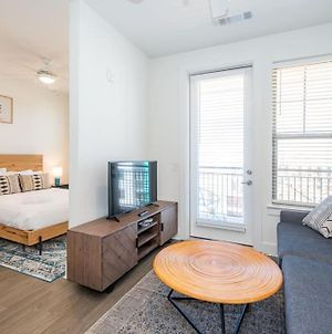 Comfortable Studio With Balcony And Parking photos Exterior