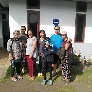 Arnolds Familly Homestay photos Exterior