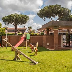 Apartment Long Stay Rome Area I Triangoli With Garden In The Backyard photos Exterior