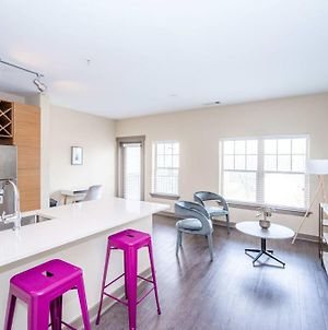 Urban 1Br In Uptown Area Balcony Pool And Gym photos Exterior