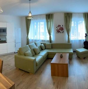 Newly Renovated 2 Rooms Apartment Downtown Nitra photos Exterior