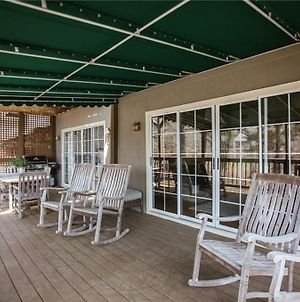 New Wharfside Lake Retreat Available Monthly photos Exterior