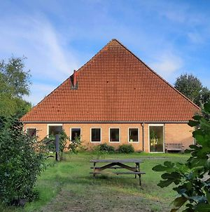 Lovely Farmhouse In Giethoorn With Jacuzzi photos Exterior